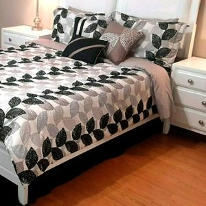 S. L. HOME FASHIONS Leafs Queen Comforter & Shams